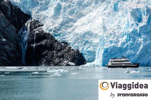 Cruise tour at Holgate Glacier of Aialik bay in Alaska
